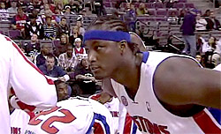 Kwame Brown reste aux Philadelphie Sixers