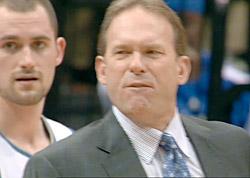 Kurt Rambis proche d'un retour en tant qu'assistant coach aux Lakers