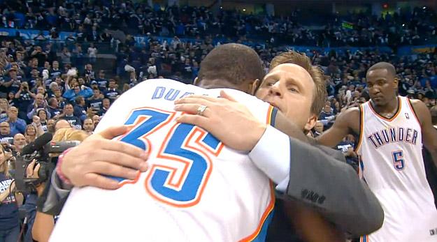 Kevin Durant a fait rester Scott Brooks au Thunder... par SMS !