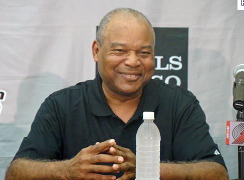 Lakers : Bernie Bickerstaff nommé en intérim