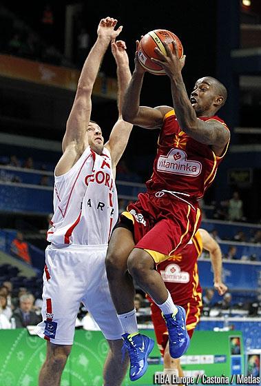 Bo McCalebb offre la victoire à la Macédoine
