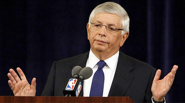 Dell Demps sur la touche, la NBA prend les choses en main
