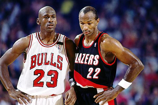 Clyde Drexler envoie un taquet à Michael Jordan et demande un peu de respect