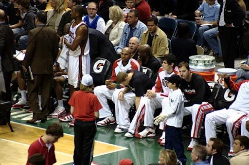 Les rookies des Bucks rongent leur frein sur le banc