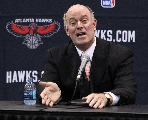 Les Hawks veulent prolonger leur GM