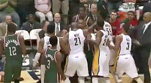 Embrouilles en série entre le Bucks et les Pacers, Larry Sanders pète un câble
