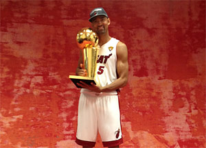 Juwan Howard (et le Fab Five) a sa bague !