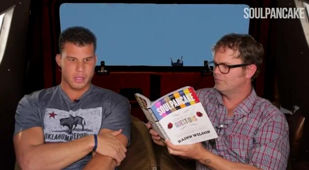 Blake Griffin interviewé par Rainn Wilson… à l'arrière d'un van