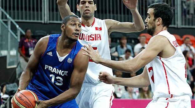 La France assure malgré le comeback des Tunisiens