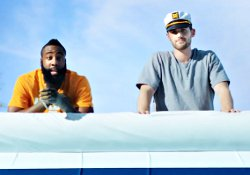 Pub : Westbrook en canoë, Love et Harden en yacht, Bosh dans un canapé