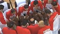 Le coach tunisien balance une grosse claque à son joueur