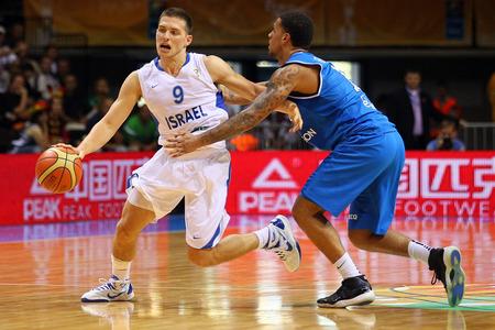 Les Mavs signent le MVP israélien 2013 : Gal Mekel