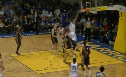 Video : Jeremy Tyler met un énorme poster en D-League
