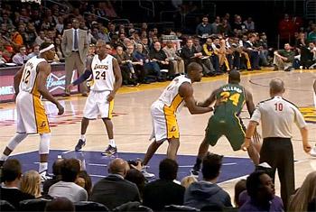 Les Lakers de nouveau battus à domicile malgré un Kobe à 34 pts