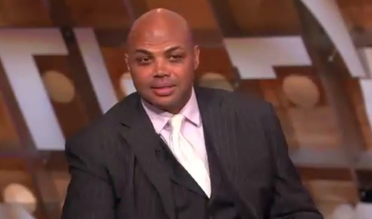Charles Barkley défend Kevin Love