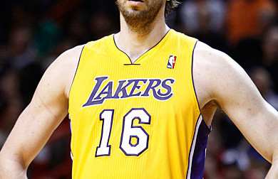 Un deal Pau Gasol-Andrew Bynum en discussion ?