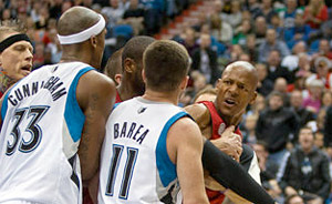 Ray Allen Vs J.J Barea : Faute flagrante, altercation et expulsion