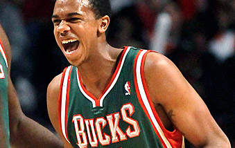 Les Bucks prolongent Brandon Knight et John Henson