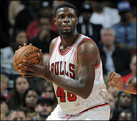 Nazr Mohammed rempile aux Chicago Bulls