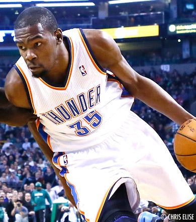 Un Kevin Durant de gala (48 points) vient à bout des Wolves
