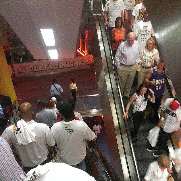 Les fans du Heat quittent la salle avant la fin du match... et ne sont pas autorisés à revenir !