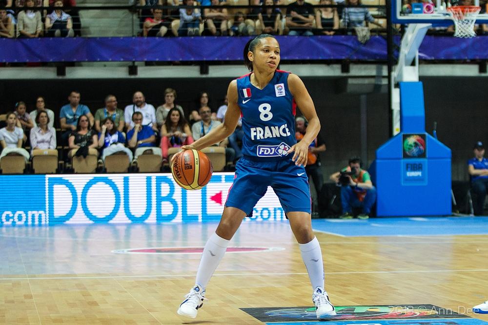 Eurobasket : Edwige Lawson et les Bleues prennent la tête de leur groupe