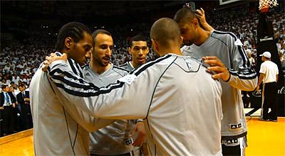 Les San Antonio Spurs ne changeront pas l'effectif et visent... les finales NBA !