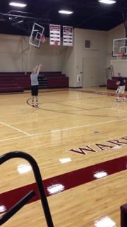 Vidéo : un lycéen inscrit 135 paniers à trois-points en cinq minutes