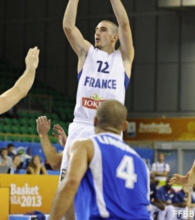 Euro : Les Bleus assurent face à une faible équipe d'Israël