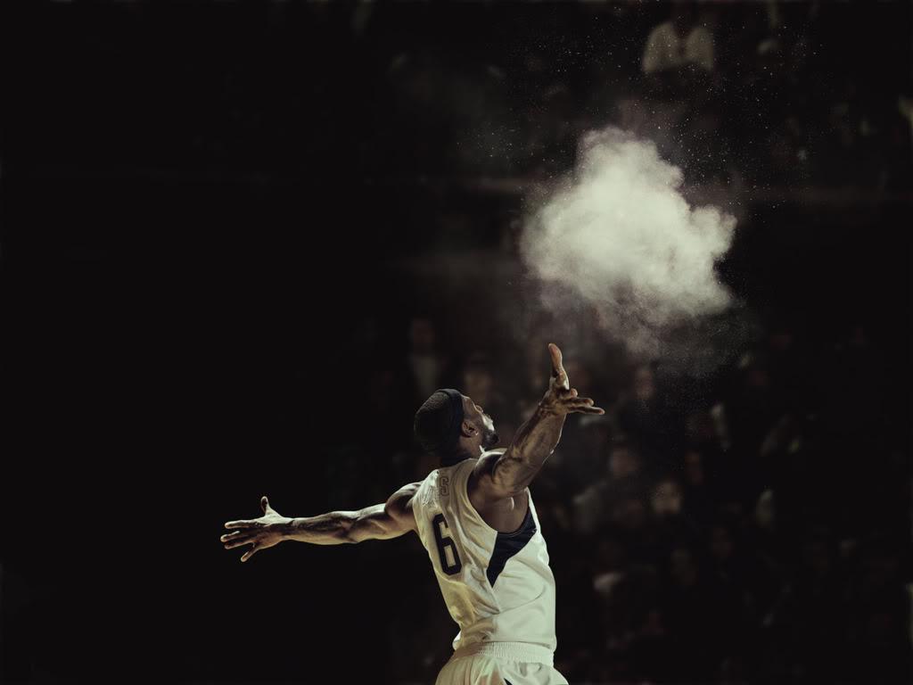 Miami : LeBron James réinstaure son rituel du talc