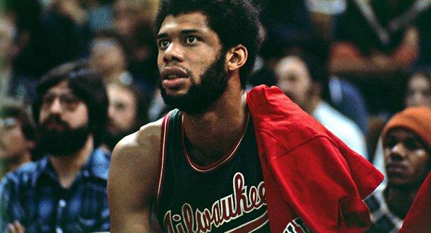 Top 10 : il y a 46 ans, le monstre Kareem Abdul-Jabbar débarquait en NBA !