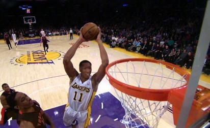 Wesley Johnson et Ryan Kelly restent aux Lakers