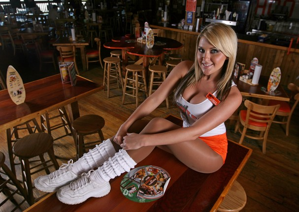 10132009_Hooters06_t607