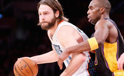 Josh McRoberts s'engage avec le Heat