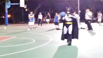 Abus de pouvoir : Batman Vs les streetballers chinois