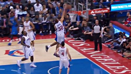 Top 5 : Brandan Wright colle Blake Griffin sur un poster