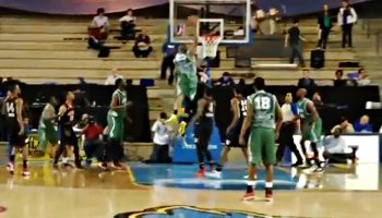 Le dunk le plus violent de la semaine !