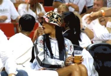 LeBron James fait le show devant Rihanna