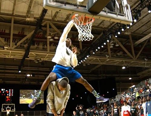 Thanasis Antetokounmpo rejoint les New York Knicks