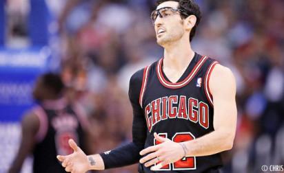 Kirk Hinrich active son option et reste aux Chicago Bulls !