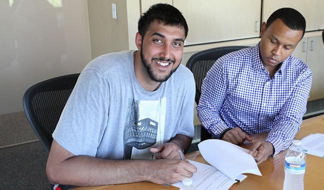 Sim Bhullar peut-il vraiment jouer en NBA ?