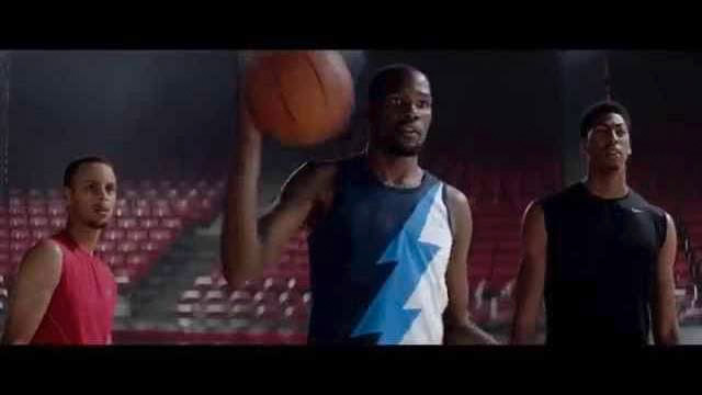 NBA 2K15 : la pub officielle avec KD, Curry, George et Davis