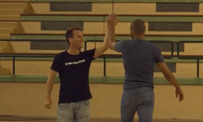 Vidéo : Tony Parker défié par Rémi Gaillard