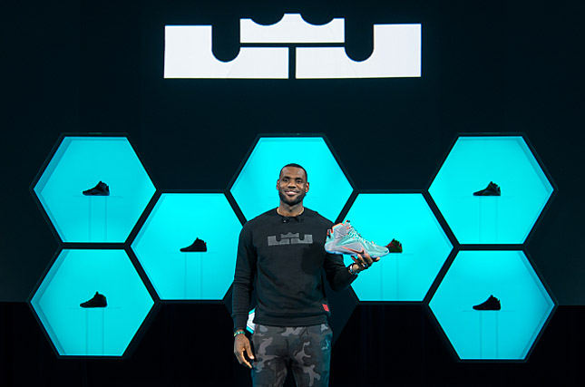 LeBron James champion de la vente de sneakers