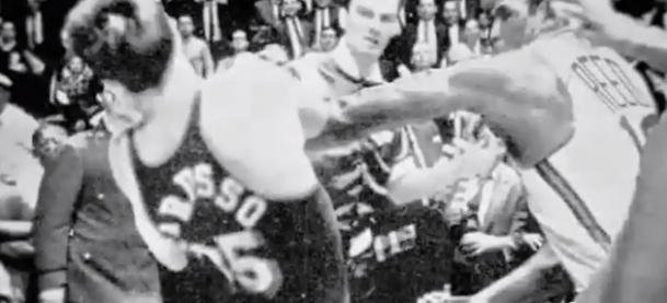 Vidéo : La baston Willis Reed vs les Lakers en 66