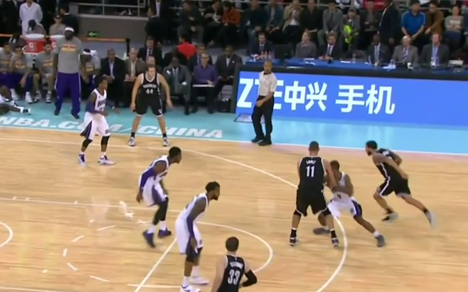 Vidéo : Deron Williams fait danser Ramon Sessions