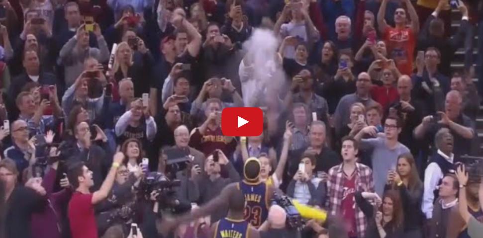 Vidéo : Le retour du Chalk Toss de LeBron James