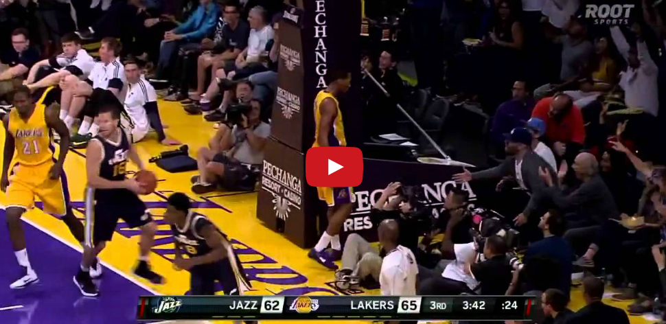 Vidéo : Wesley Johnson fait se lever le Staples Center