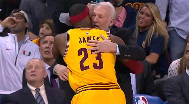 """LeBron James : """"Gregg Popovich est le meilleur coach de l'histoire"""""""