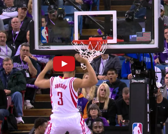 Dingue : Nick Johnson dunk par-dessus Ramon Sessions
